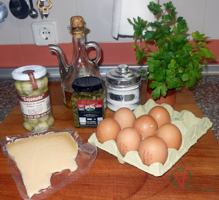 Ingredientes para la Tortilla de alcachofas y perejil.
