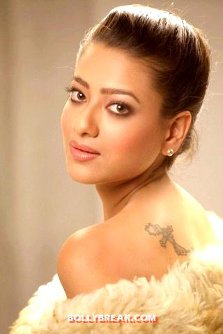 Madalsa Sharma Tattoo - (7) - Madalsa Sharma Hottest Pics