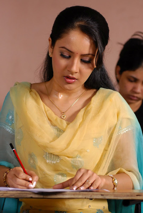 pooja bose in salwar kameez actress pics