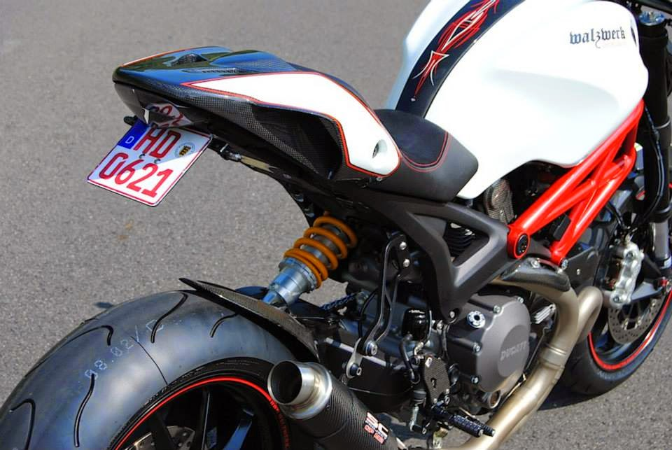 Il Ducatista - Desmo Magazine: Ducati Monster 1100 Evo by WalzWerk-Racing (Marcus Walz).