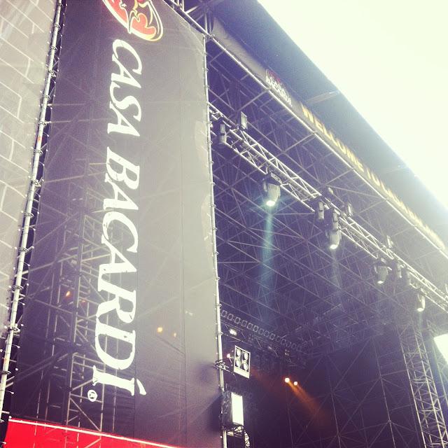 Kasabian Milano 2013 Duomo Live with Casa Bacardi Italy