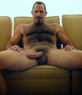 grande adulto desnudo