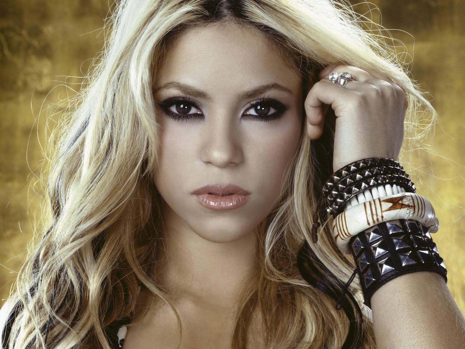Nenen Montok: Shakira 2m 2011 Shakira