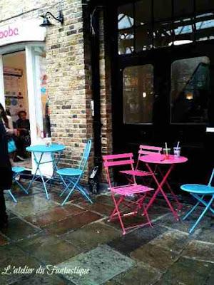 bar-londra-pioggia