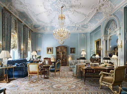 Dekorasi Ruang Tamu Klasik Minimalis