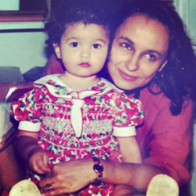 Famous Film star Alia bhatt Childhood Image with her Mom