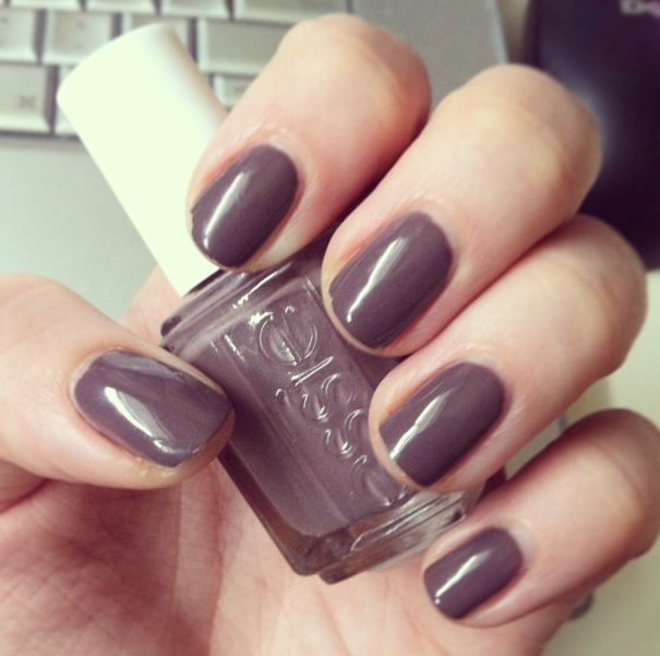 Nail Polish Colors For Cool Skin Tones: Th13rteen Beauty: Review!: Essie Merino Cool * The Perfect
