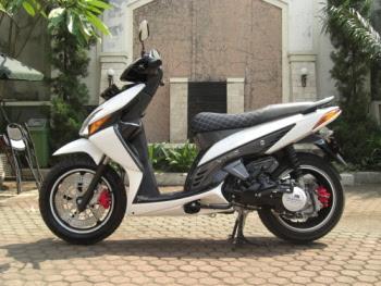 Honda Vario Modifikasi Dengan Velg Honda Jazz-gambar foto modifikasi motor terbaru.jpg