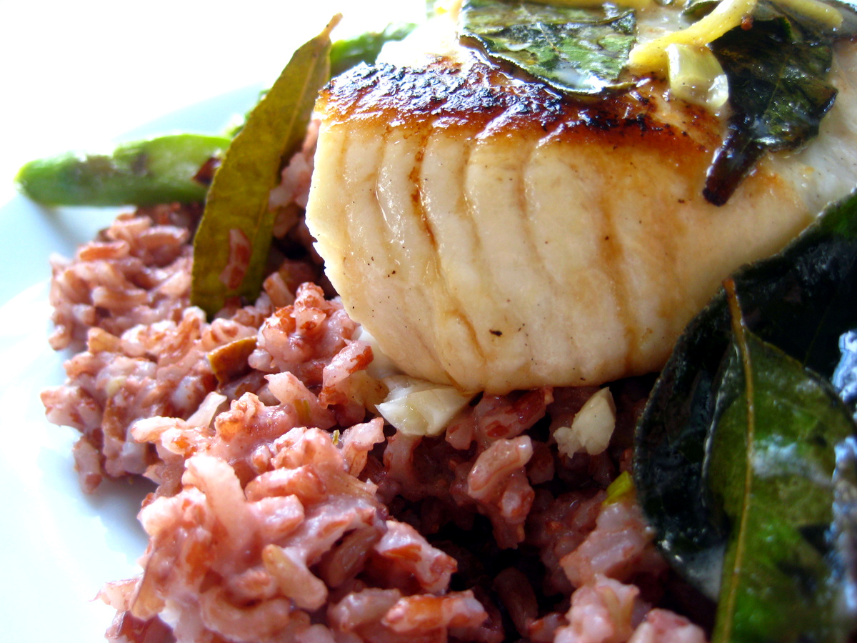 Cook food mostly plants moonfish with curry leaves for Opah fish recipes