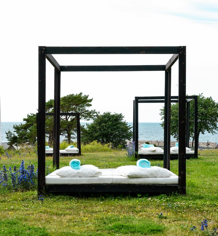 hotel djupvik, daybed by the sea