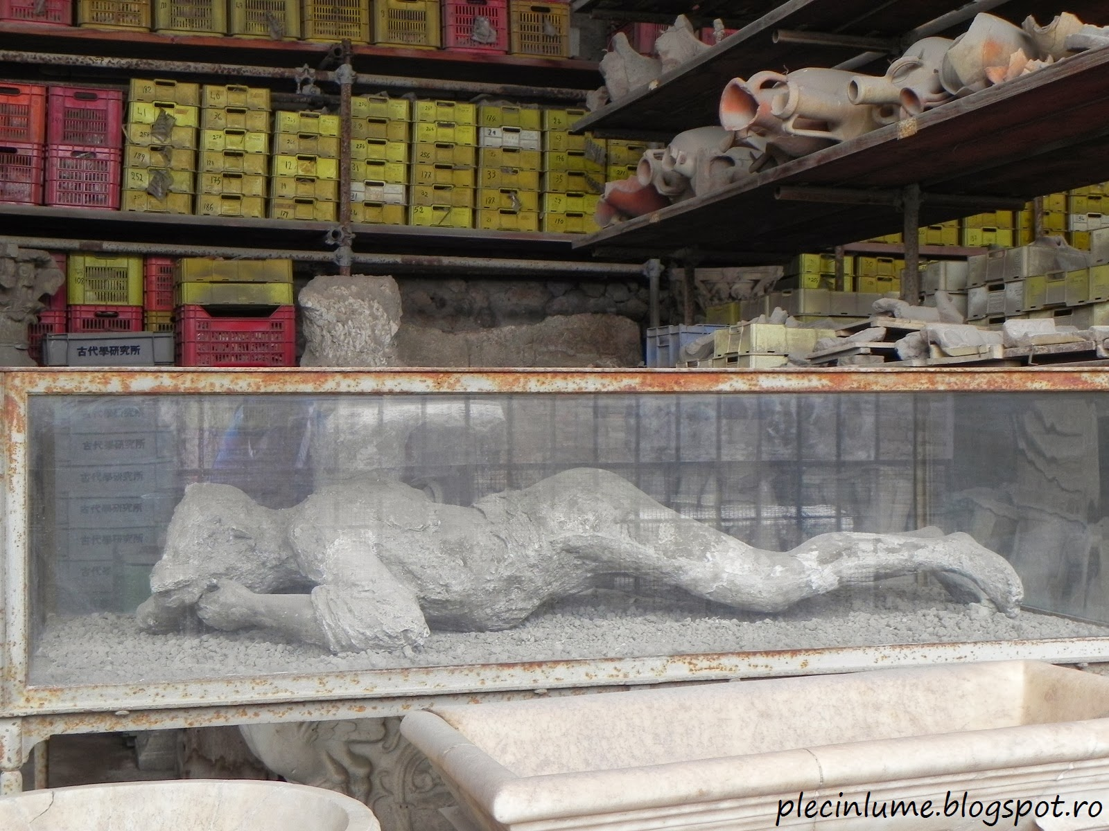 Femeie insarcinata gasita la Pompei