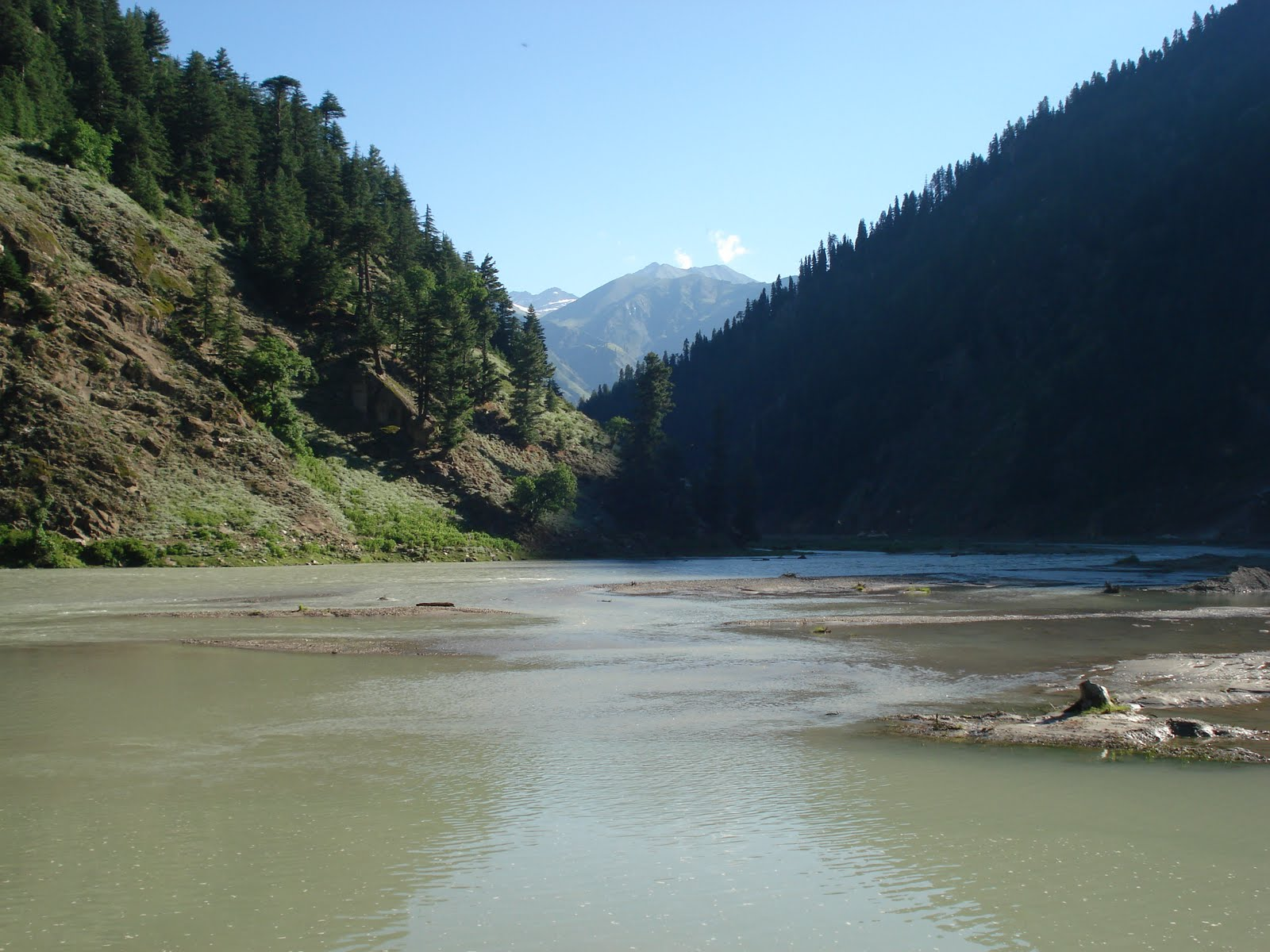 http://3.bp.blogspot.com/-4BdaDcMm2pE/TfCVO55JjOI/AAAAAAAAAzs/7f69eUwG6Y4/s1600/Kunhar_river_in_Naran_valley_of_Pakistan%255B1%255D.jpg