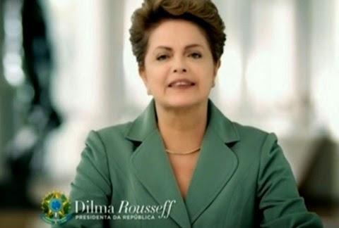 """Em um pronunciamento oficial à nação em cadeia nacional de rádio e TV, a presidente Dilma Rousseff falou, neste domingo (08), sobre a crise econômica internacional, defendendo que """"o Brasil tem todas as condições de vencer estes problemas temporários"""". Falou também sobre a crise climática que atinge o território brasileiro e sobre seu reflexo no custo da energia elétrica, mas ressaltou - mais uma vez - que """"tudo é passageiro"""". """"Você tem todo direito de se irritar e de se preocupar. Mas lhe peço paciência e compreensão porque esta situação é passageira"""", afirmou Dilma. A presidente defendeu também a implantação de ajustes fiscais no País."""