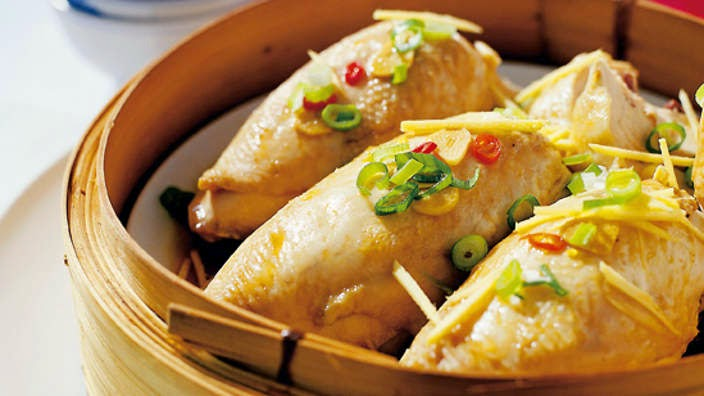Steamed Chicken with Sausages