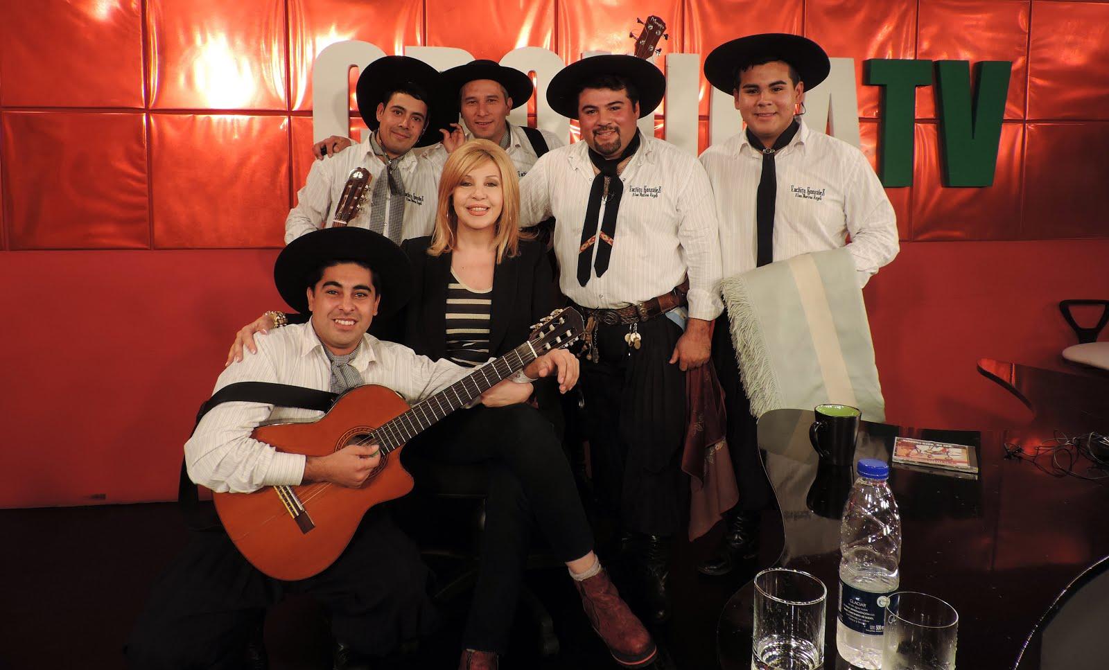 Cachito Gonzalez y los Nuevos Reyes con ANABELA ASCAR en Cronica tv
