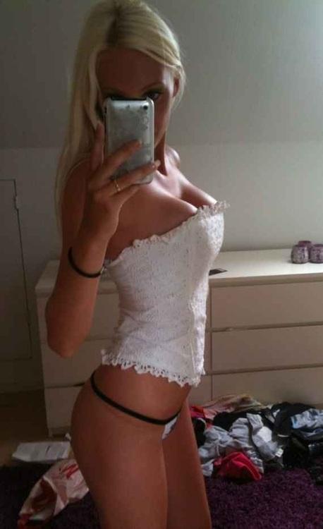 nude hot blonde happy