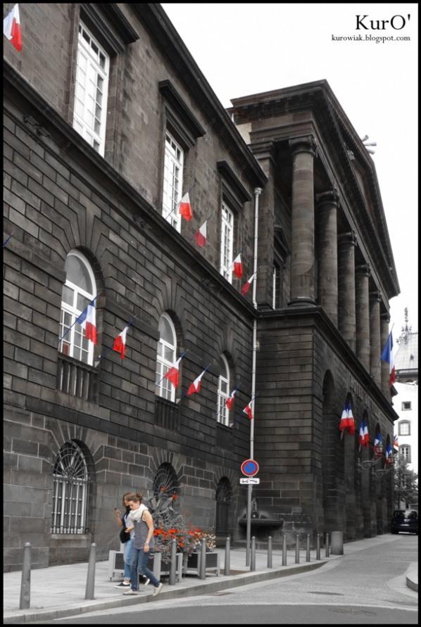 Le blog photos de kuro 39 centre ville de clermont ferrand - Piscine noire photo clermont ferrand ...