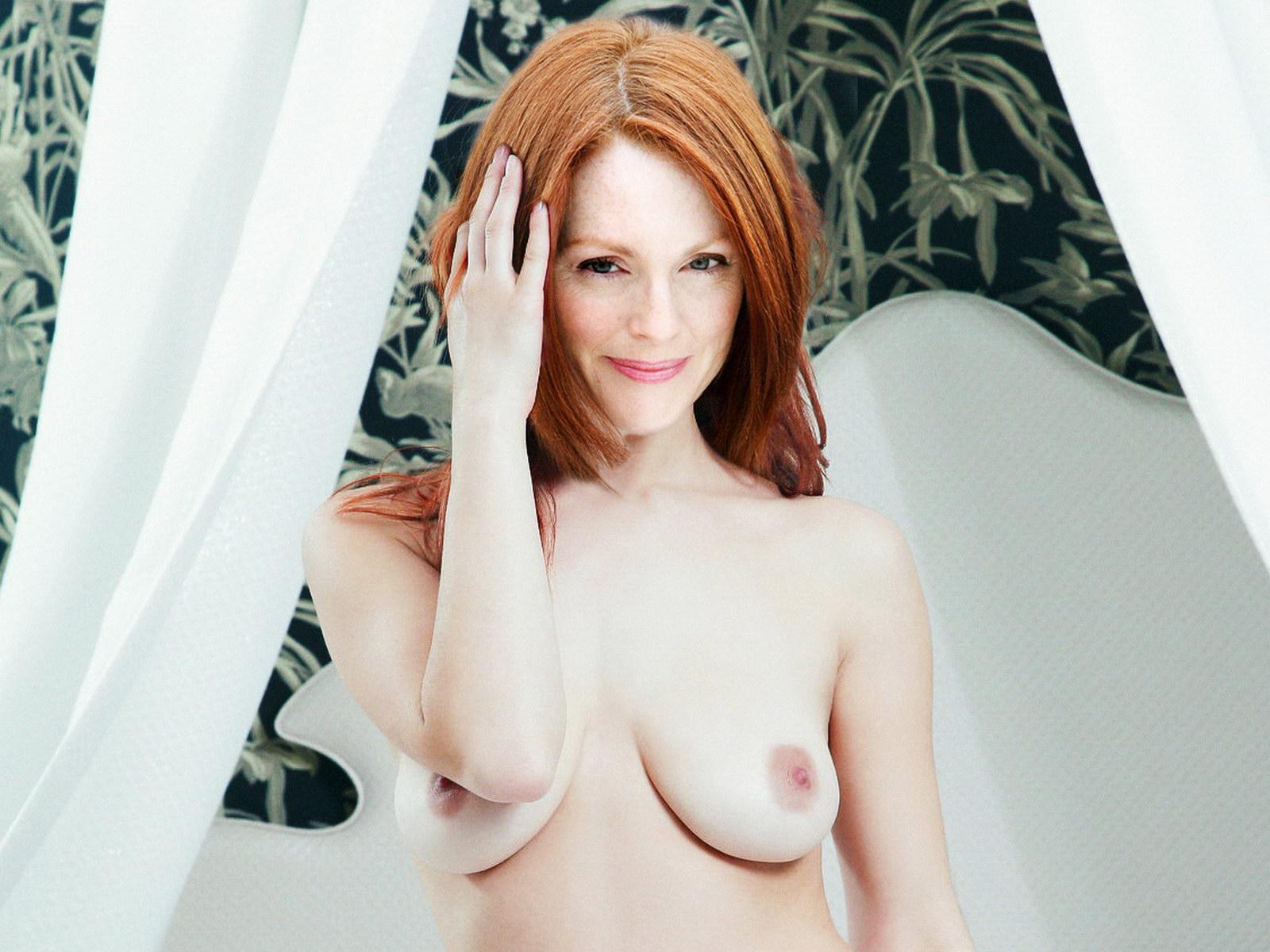 http://3.bp.blogspot.com/-4C8ij9tAA0Q/T4WCL47nq4I/AAAAAAAAASw/zcxQqk9Z4GA/s1600/Julianne+Moore+naked+on+her+bed+UHQ.jpg