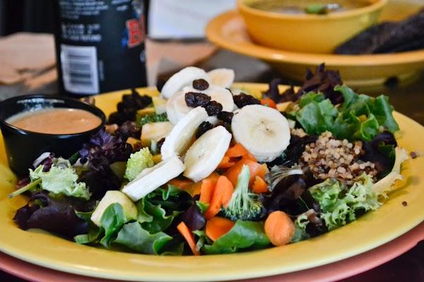 Restaurante vegetariano e vegano Dandelion Communitea Cafe em Orlando