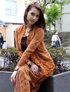 Desa-Digital-Maria-Ozawa-Alias-Miyabi-Pake-Kebaya-02