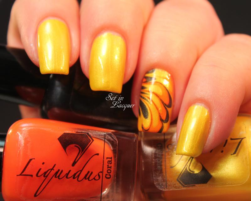 Liquidus - water marble nail art