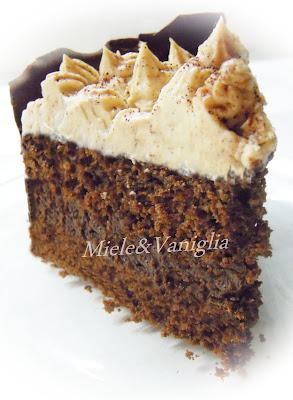 torta allo  yogurt alla vaniglia e cioccolato