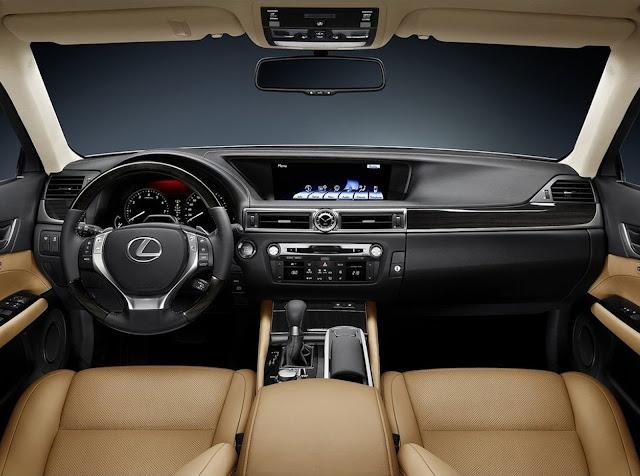 Interior view of 2013 Lexus GS450h