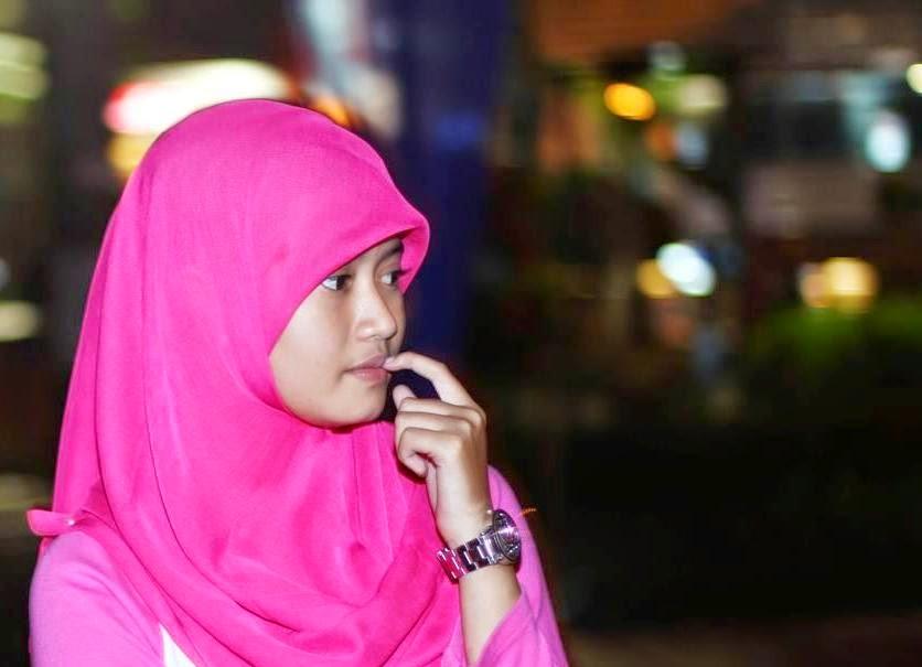 Kecantikan dibalik Jilbab Pink.