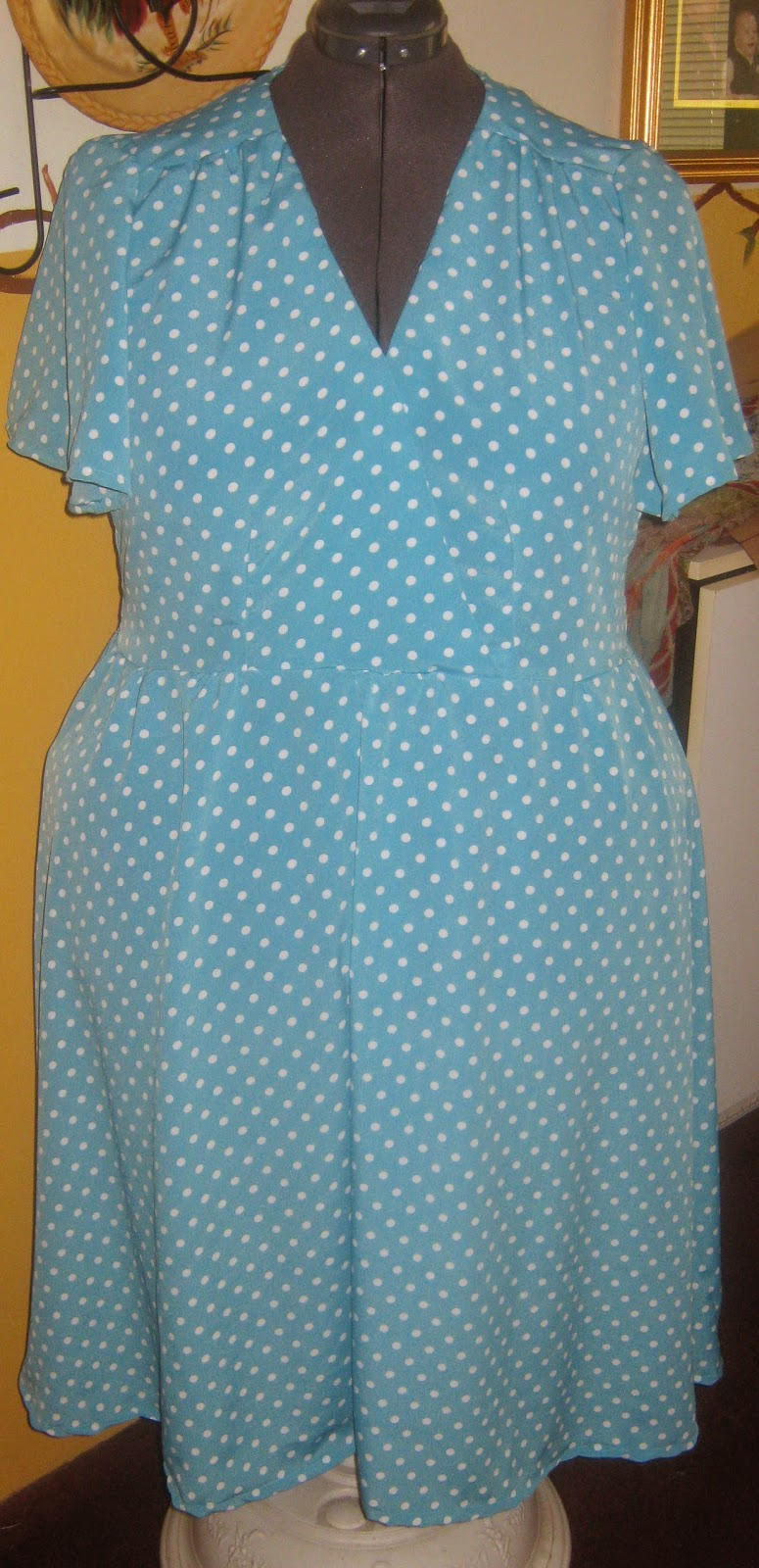 Butterick 5030 Easter Dress Aqua Polka Dot www.sewplus.blogspot.com