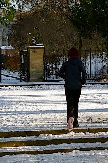 Joggeuse dans la neige - berlin