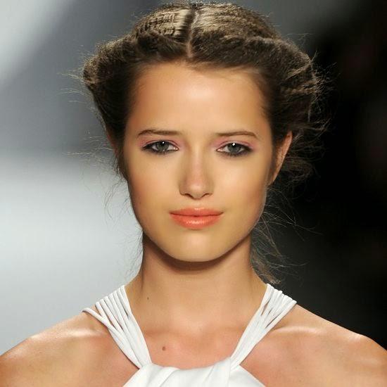 peinados de noche cabello largo suelto