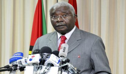 """Moçambique: PR Guebuza considera """"lamentável"""" ameaça de guerra do líder da RENAMO"""