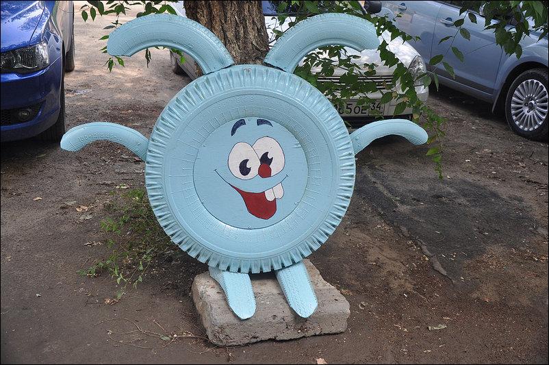 Gran idea para decorar un parque infantil o un jard n con for Decoracion con neumaticos