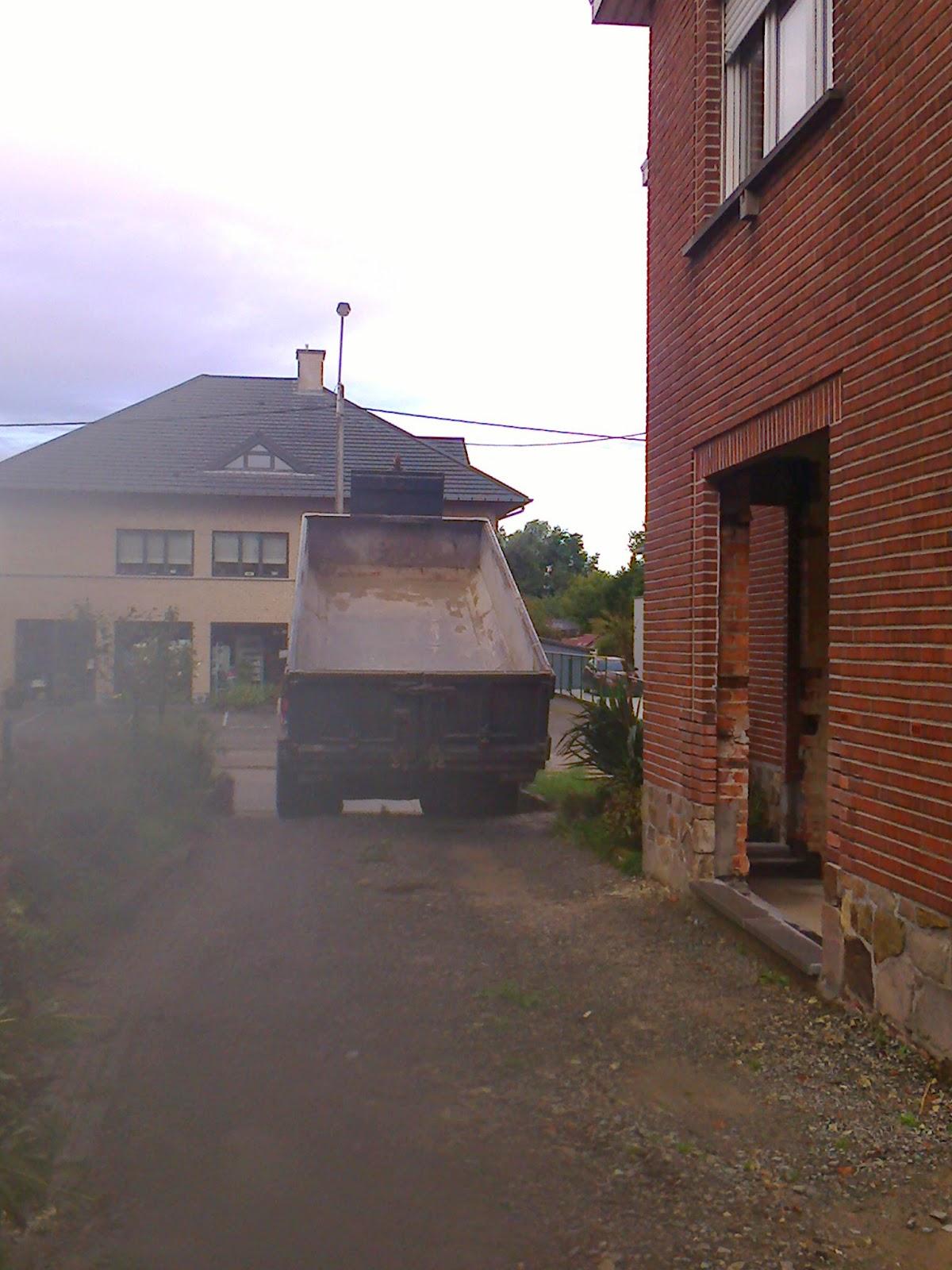 Maja en Sofie Constructions: De pannen van het dak geswingd!