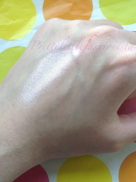 MUA Undress Your Skin Highlighter Swatch