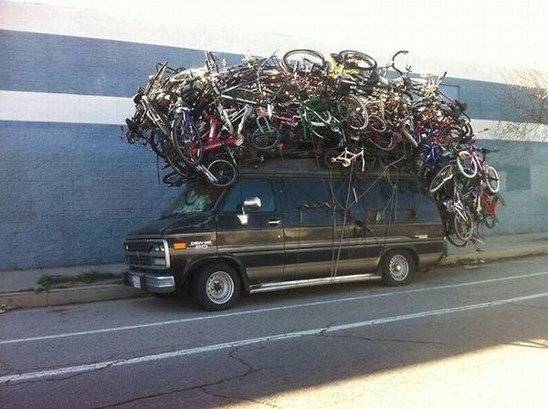 ركز واحسب مليح وقولي كم دراجة فوق السيارة؟؟؟؟؟؟