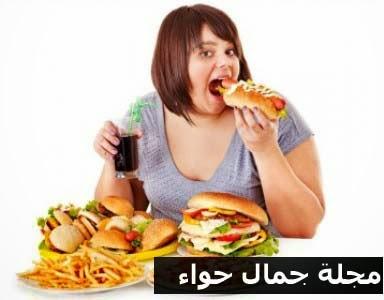 6 أطعمة تجنبيها لبطن مشدود