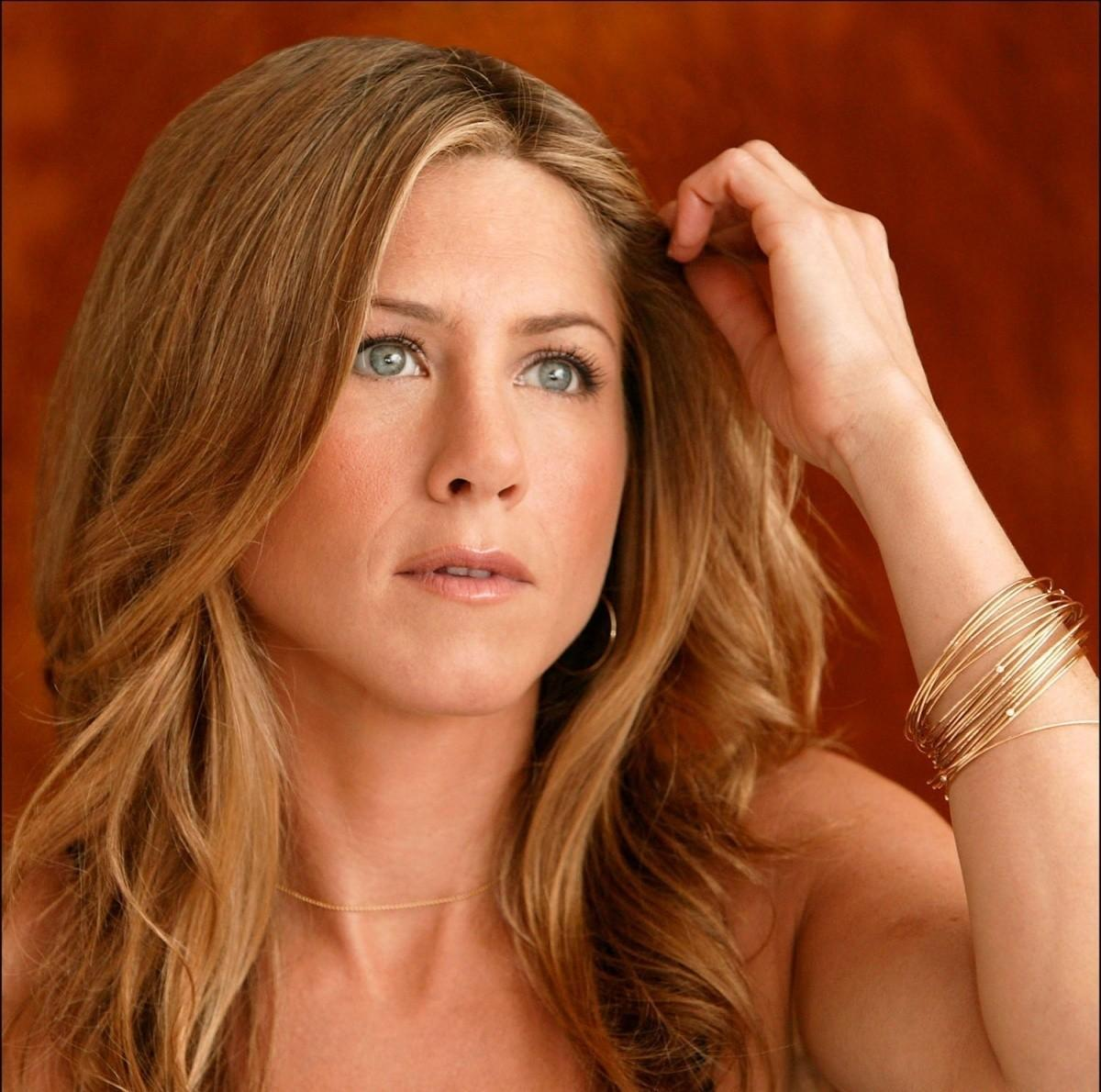 Download this Jennifer Aniston picture