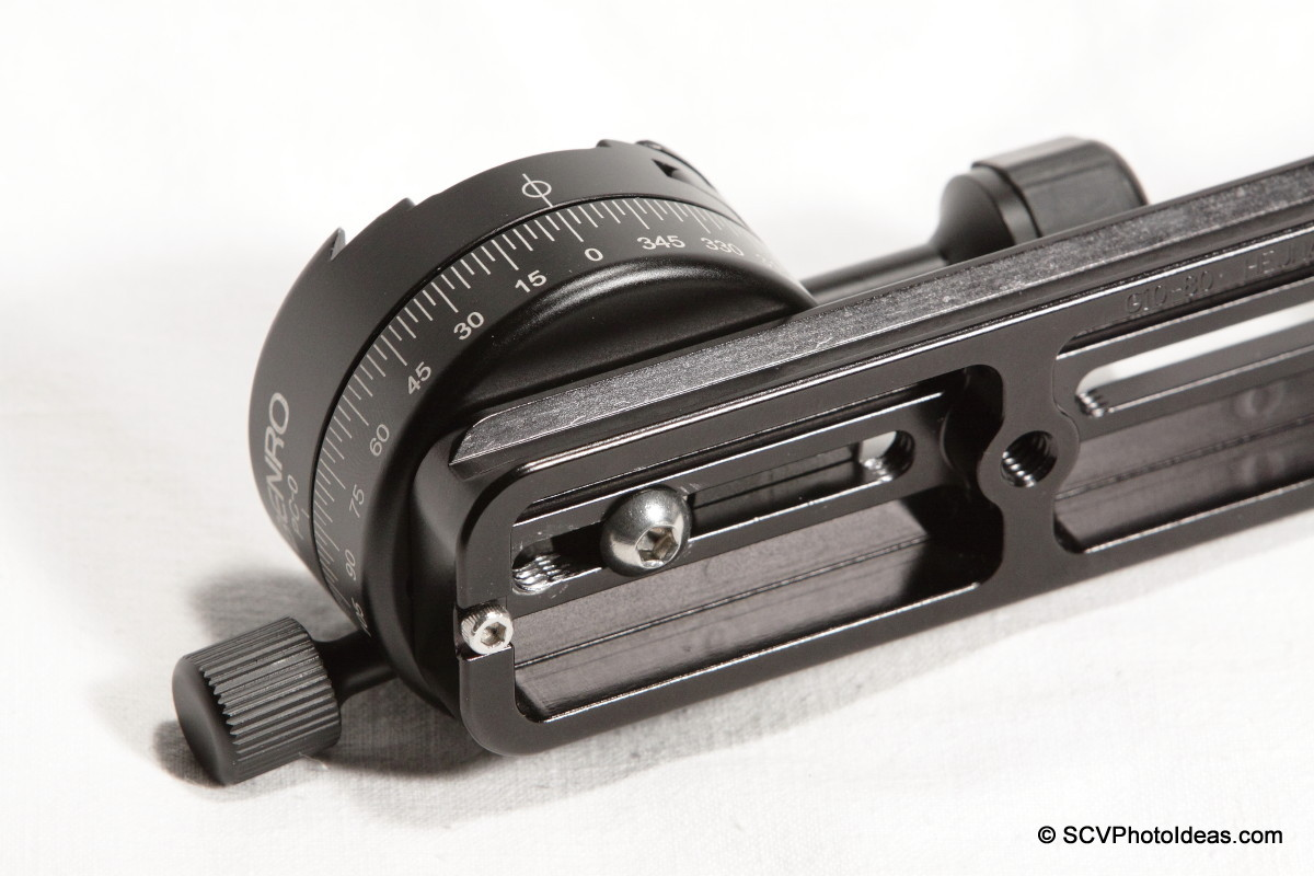 Benro PC-0 Panorama Clamp mounted on vertical rail assembly - back