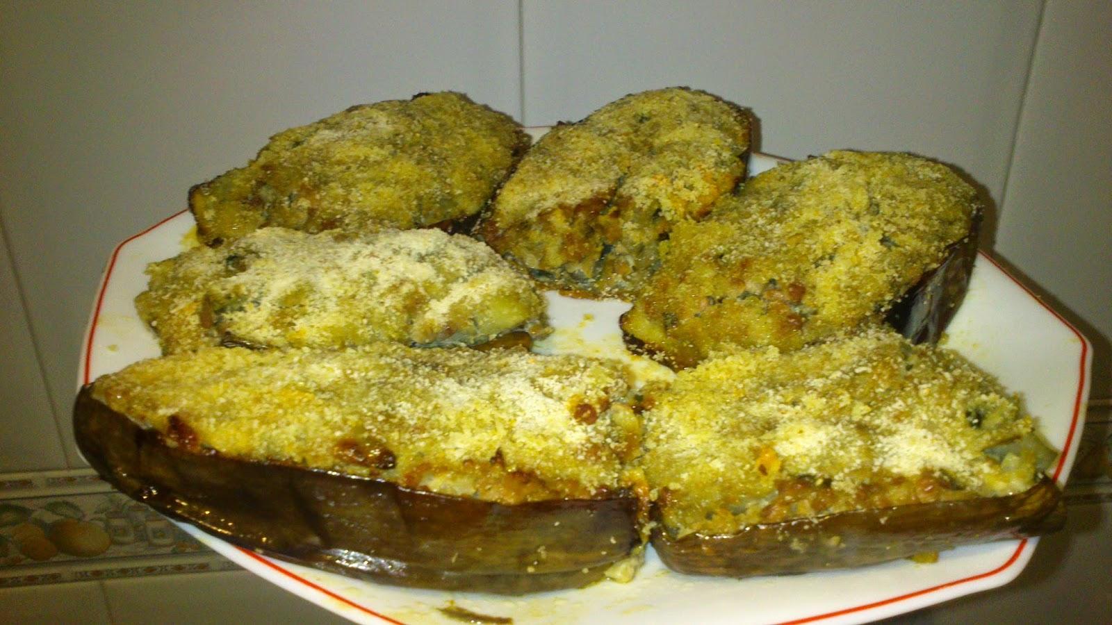 Cocina facil berenjenas rellenas de carne picada for Cocina berenjenas rellenas