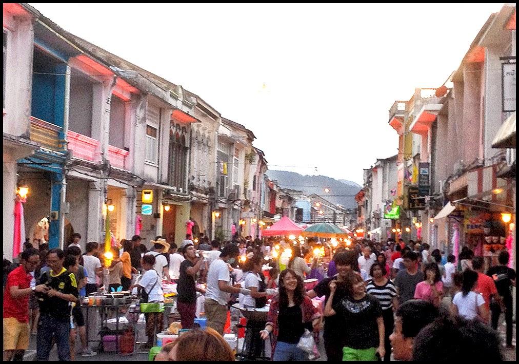 Sunday Walking Street Market (Lard Yai) in Old Phuket Town ...