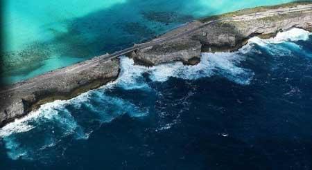 نقطة التقاء البحر الكاريبي بالمحيط الاطلسي.
