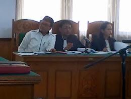 Sidang Bupati Batanghari Abdul Fattah, Sekretaris BKD Batanghari Bawa Golok