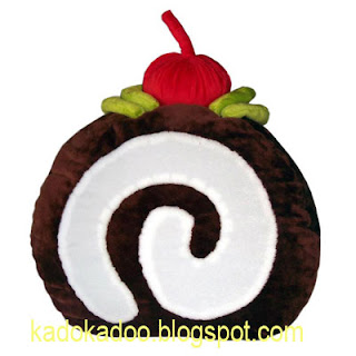 Bantal Roll Cake.