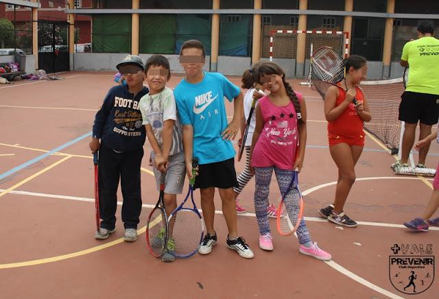 pequeños tenistas
