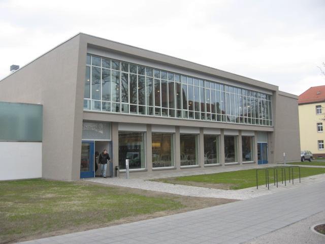 Altes und neues von bernd nowack dessau das caf am for Bauhaus architektur heute