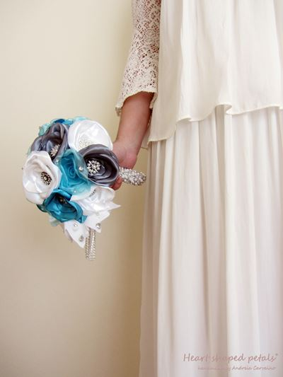 fabric bouquet for brides in blue