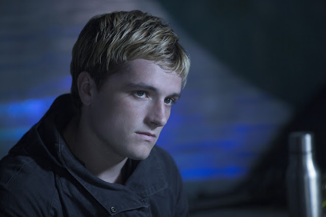peeta hunger games mockingjay part 2 movie still