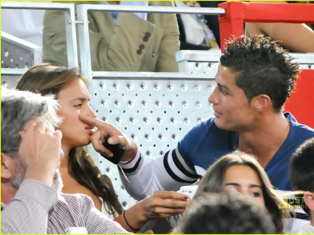 http://3.bp.blogspot.com/-4FdsdB-ObGE/UCmFpmKXC_I/AAAAAAAABas/3XGQl7jYlQo/s1600/girlfriend-irina-and-ronaldo-cristiano-ronaldo-15561457-1024-768.jpg