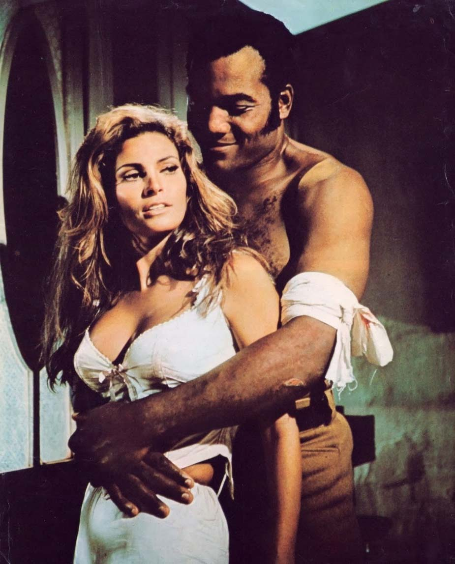 JIM BROWN en RAQUEL WELCH in 100 RIFLES